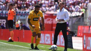 Suspendido. Brítez recibió ante River la quinta amarilla y no jugará contra Aldosivi. Pero Cocca tiene variantes para suplirlo.