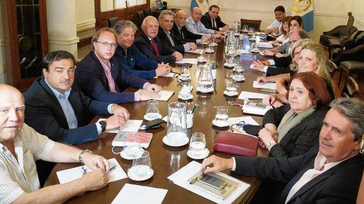 Gabinete completo. Estamos a total disposición del gobernador electo y su equipo