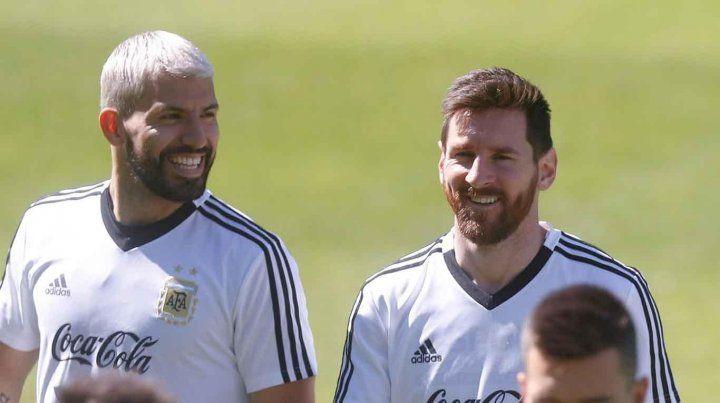Messi y Agüero volvieron a la selección argentina