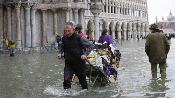 Venecia sufre la segunda mayor inundación de su historia