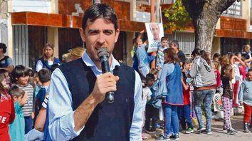 determinación. El presidente comunal, Benjamín Gianetti, y sus colaboradores optaron por una solución inesperada y poco convencional.