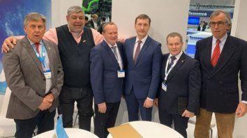 acuerdo. Los empresarios en la Agritechnica 2019, en Hannover, Alemania.