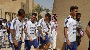 la seleccion argentina se instalo en riad para esperar a brasil
