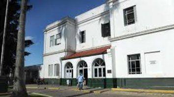 El asesino huyó mientras el pibe era llevado al Hospital Roque Sáenz Peña, donde llegó muerto.