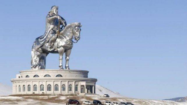 Imponente. La estatua ecuestre del Gengis Kahn es la más grande del mundo.