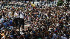 Guaidó intenta recuperar impulso con la caída de Evo Morales en Bolivia, un aliado clave de Caracas.