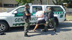 Sin salida. El adolescente intentó evitar la identificación de los gendarmes.