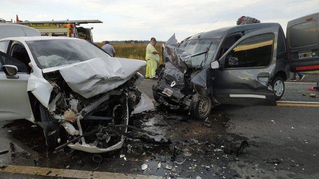 Tres muertos en un choque frontal en la ruta 18, a la altura en Peyrano