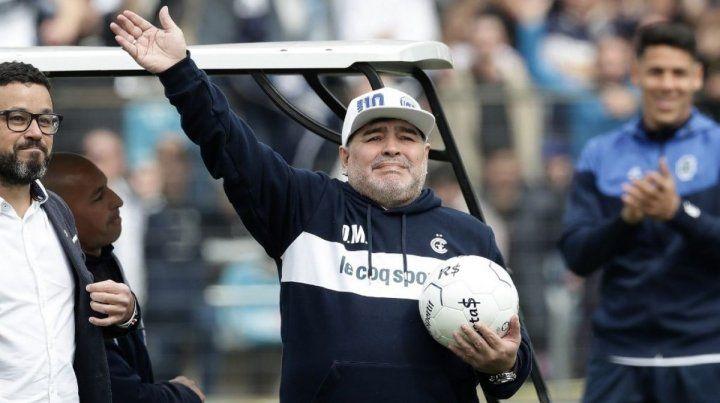 Maradona dejó de ser el entrenador de Gimnasia