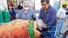 víctima. Un herido grave llega a un hospital de El Alto, en las afueras de La Paz.