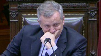 Monzó lloró al ser aplaudido de pie en la Cámara de Diputados