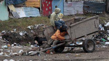 En alza. El 35,5% de la población de la región, es pobre.