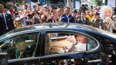 bangkok. Francisco al arribar ayer a la Nunciatura de la capital.