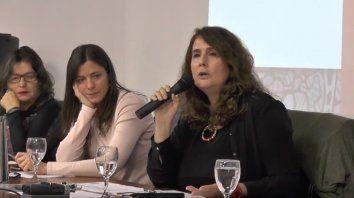 Patricia Redondo, Ana Abramowski y Carina Kaplan, en un panel sobre la escuela y la educación emocional.
