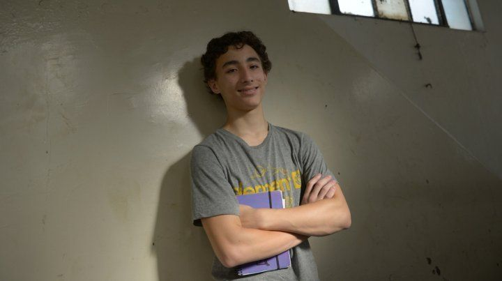 Emanuel tiene 14 años y escribe sobre las experiencias que lo atraviesan a diario.