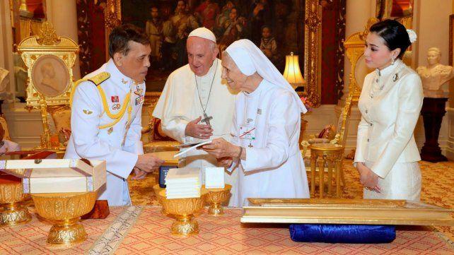 En Tailandia el Papa pidió luchar contra la prostitución