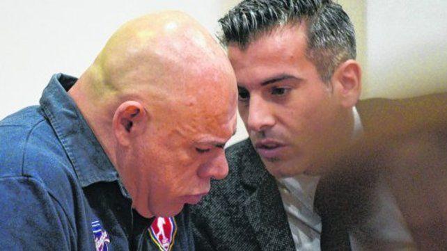 Homicida. Juan Carlos Schmitt (izq.)
