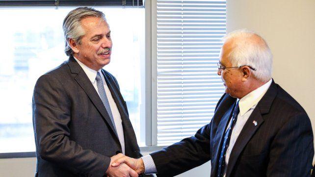 Más cerca. Fernández se reunió con el embajador de EEUU en el país