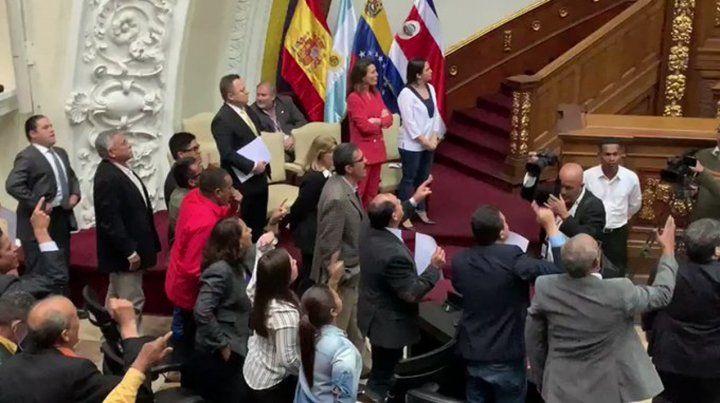 Bochorno en la Asamblea Nacional de Venezuela
