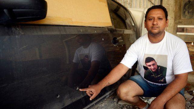 Recuerdo. El hermano de David Campos conserva el vehículo en el cual viajaban las víctimas y fue tiroteado.