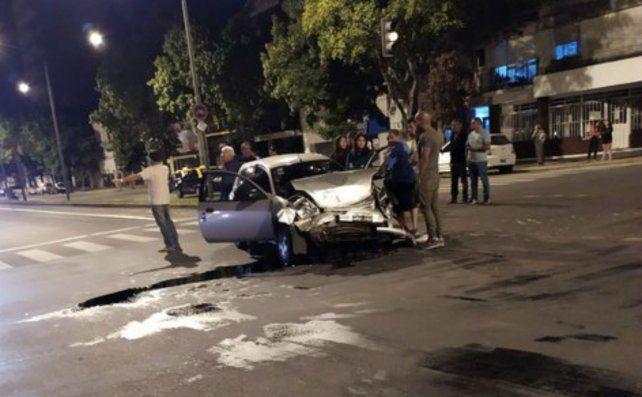 Una mujer resultó herida anoche en un violento choque en Mitre y 27 de Febrero
