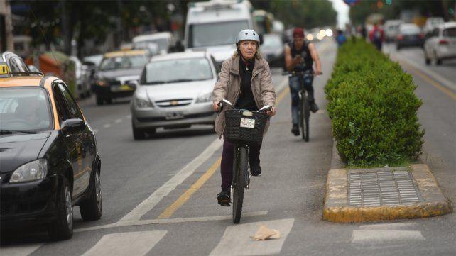 Los taxistas rechazan a la ampliación de las bicisendas pedido por los ciclistas