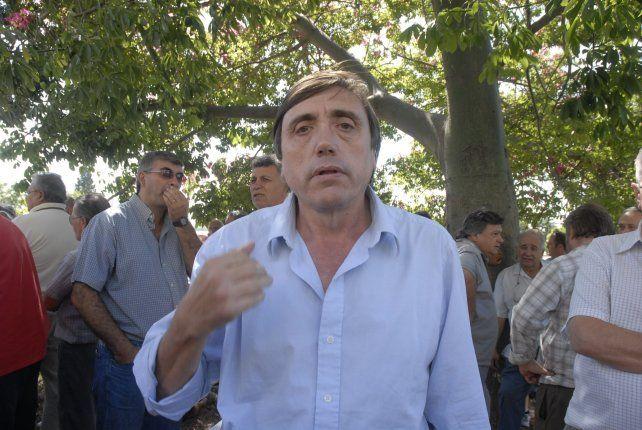 El referente de los dueños de taxis, Mario Cesca, no quiere que se amplíen la bicisendas.