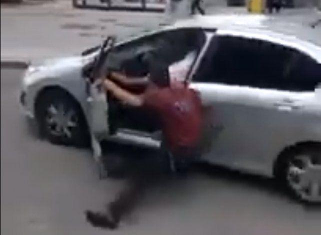 Un policía fue arrollado por un conductor que escapó de un control de tránsito