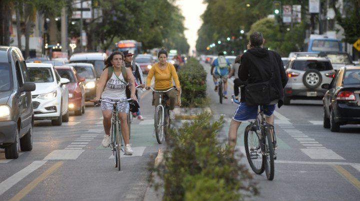 Complicados. La movilidad urbana clama por organización.