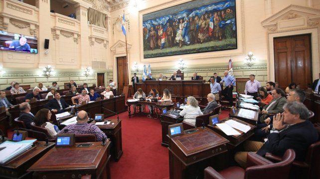 Contrarreloj. La Cámara baja comenzó a tratar ayer otros temas antes del fin de las sesiones ordinarias.