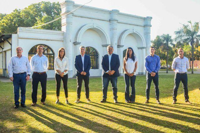 Los integrantes del gabinete que acompañarán al intendente Ricci en Villa Gobernador Gálvez.
