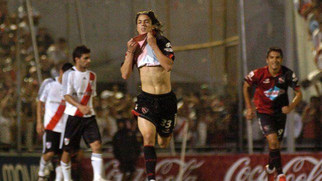 El gol del Gato. Mauro Formica celebra el 1 a 0 del triunfo