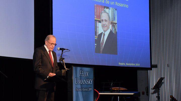 Félix Umansky: Hay que tratar al enfermo como si fuera un familiar o vos mismo