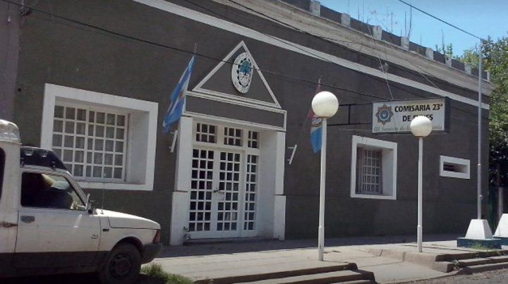 La joven de 19 años radicó la denuncia en la comisaría 23ª en Funes.