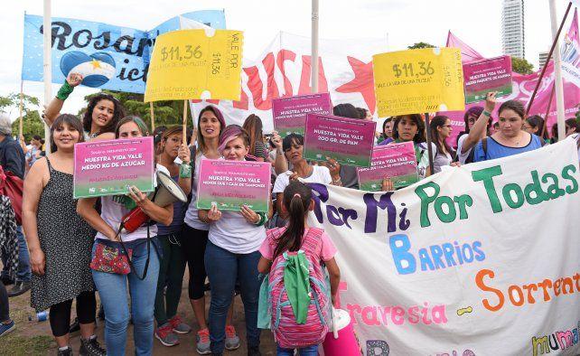 Rosario marcha por el Día Internacional de la Eliminación de la Violencia contra las Mujeres
