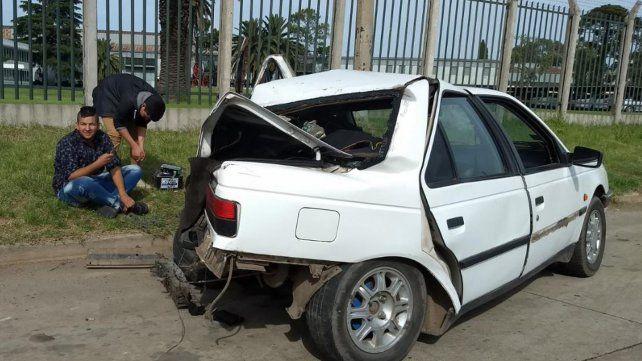 Los ocupantes del Peugeot 405 blanco no sufrieron lesiones.