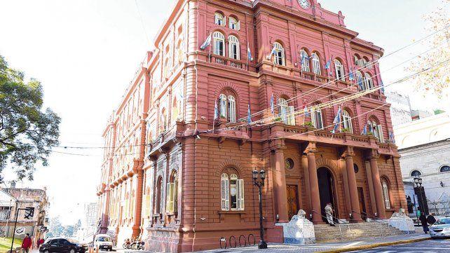 Buenos Aires 711. En el Palacio de los Leones ya hay un escritorio donde el futuro titular de Hacienda está monitoreando las cuentas públicas.