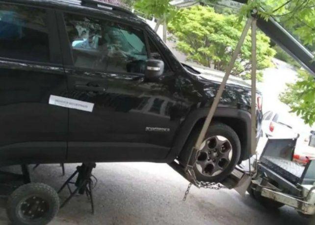 Un profesor de boxeo noqueó a un inspector de tránsito