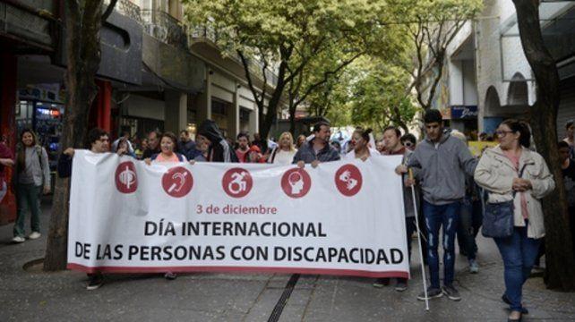 reclamo. La marcha se desarrolló por el centro de la ciudad.
