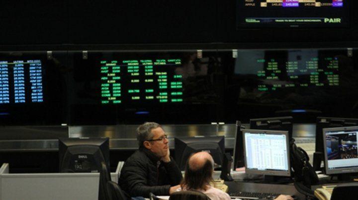 derrape. El índice líder de la Bolsa porteña bajó por efecto de las sanciones estadounidenses.