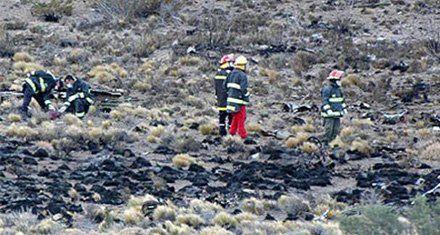 El lugar donde cayó el avión que dejó un saldo de 22 muertos.