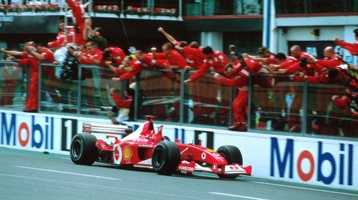 Pagan una cifra millonaria por la Ferrari F2002 de Schumacher