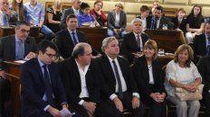 en el senado. Carlos Fascendini y Alejandra Rodenas .