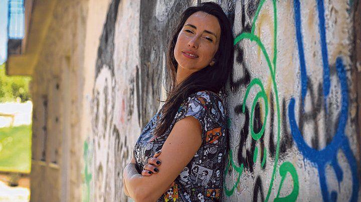 Cronista. Evelyn Arach escribió historias reales de la calle. Una manera de poner en contexto el dolor y la injusticia.