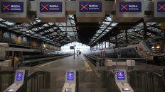 desierto. La Gare de Lyon, una enorme estación de trenes de París, totalmente vacía ayer a la tarde.