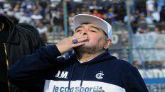 El Lobo de Diego Maradona choca con el ferroviario