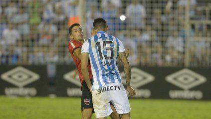 Salinas y Cabral se pusieron frente a frente y luego se agredieron mutuamente con golpes de puño.