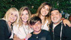 El reencuentro de Maradona con Dalma, Gianinna y Claudia