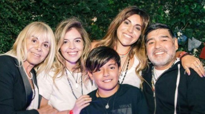 El sorpresivo reencuentro de Diego Maradona con Dalma, Gianinna y Claudia Villafañe