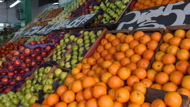Las frutas y verduras se encuentran entre los productos que más aumentaron este mes.